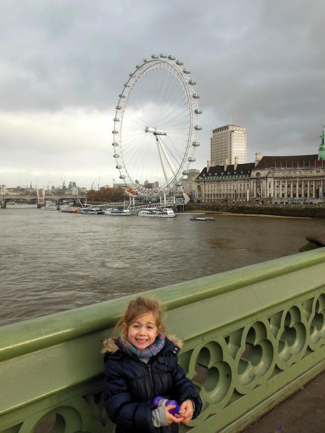 Over Westminster Bridge naar London Eye