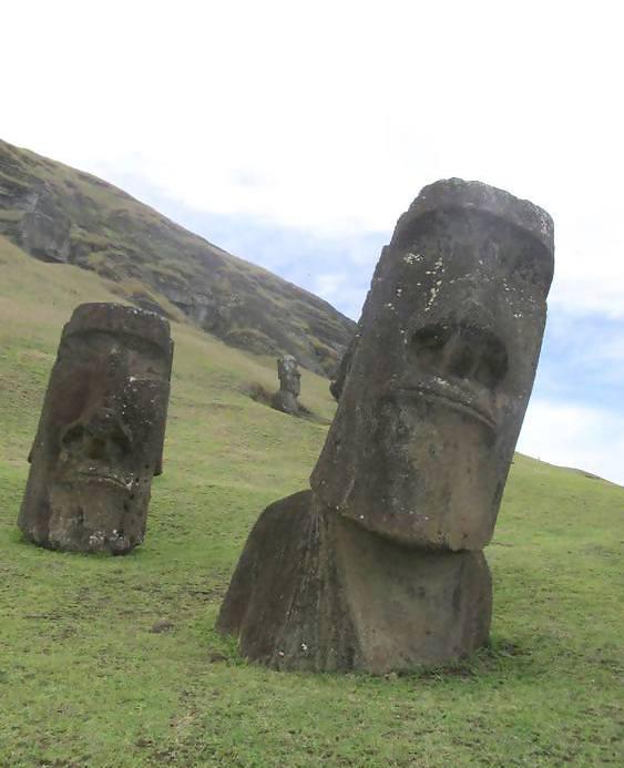 Moai-Rapa-Nui-Easter-Island