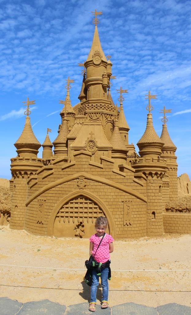 oostende-zandsculpturen-zee