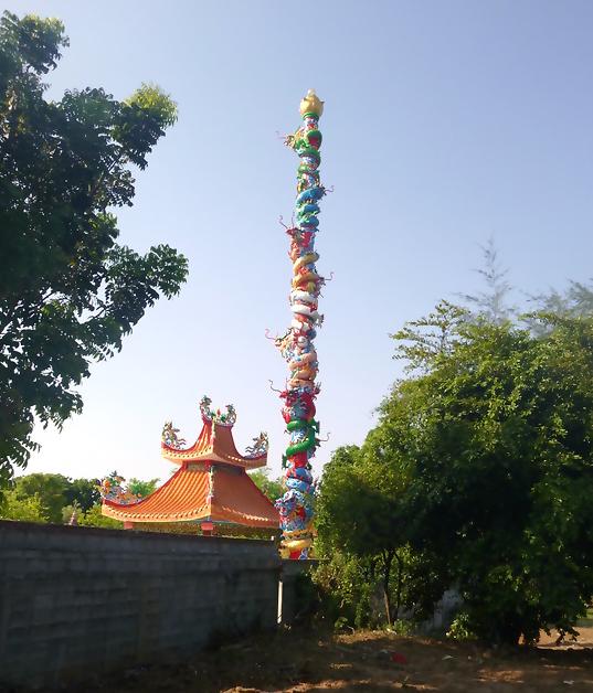 Kanchanaburi-River-Kwai-Thailand-tempel